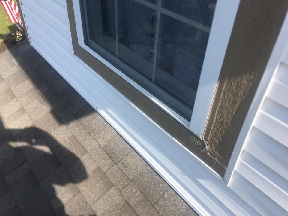 Plainfield, IN - Window leak