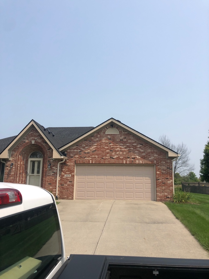 Brownsburg, IN - Roofing siding and gutters and windows and siding