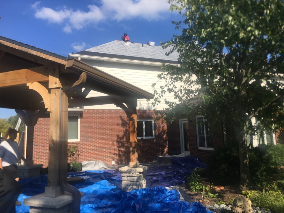 Carmel, IN - Roof #2 starting to shingle