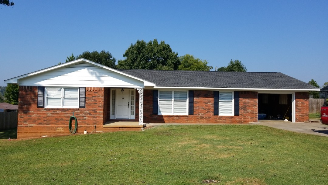 Cleveland, TN - New fascia, painted house and shutters.