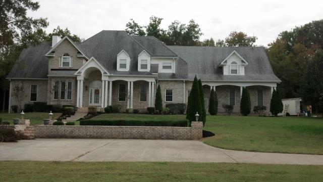 Roswell, GA - In Roswell GA looking at a roof. Roof is 20 years old and will needed to be replaced. The customers insurance company is going to pay for.