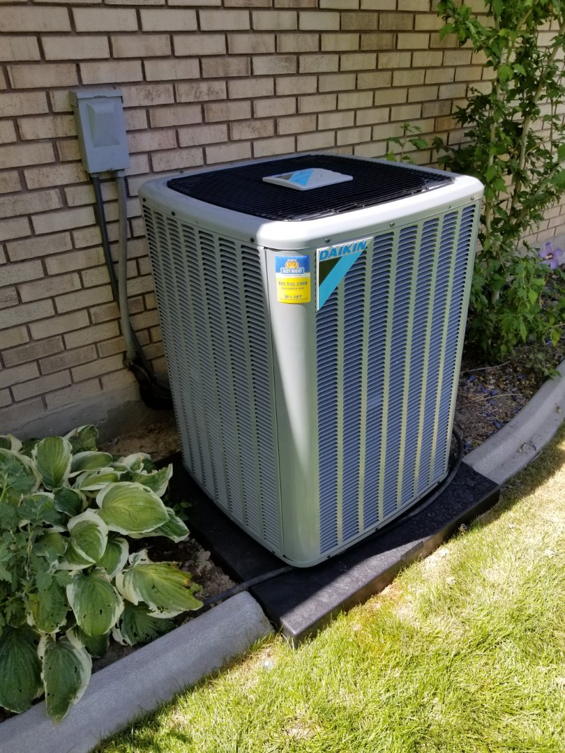 Murray, UT - Quality audit on a Daikin air conditioner