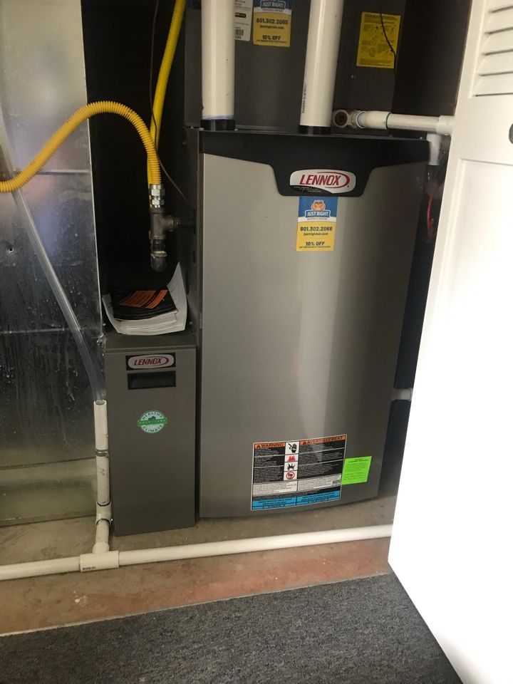 South Jordan, UT - Tune up a Lennox furnace with Honeywell thermostat.