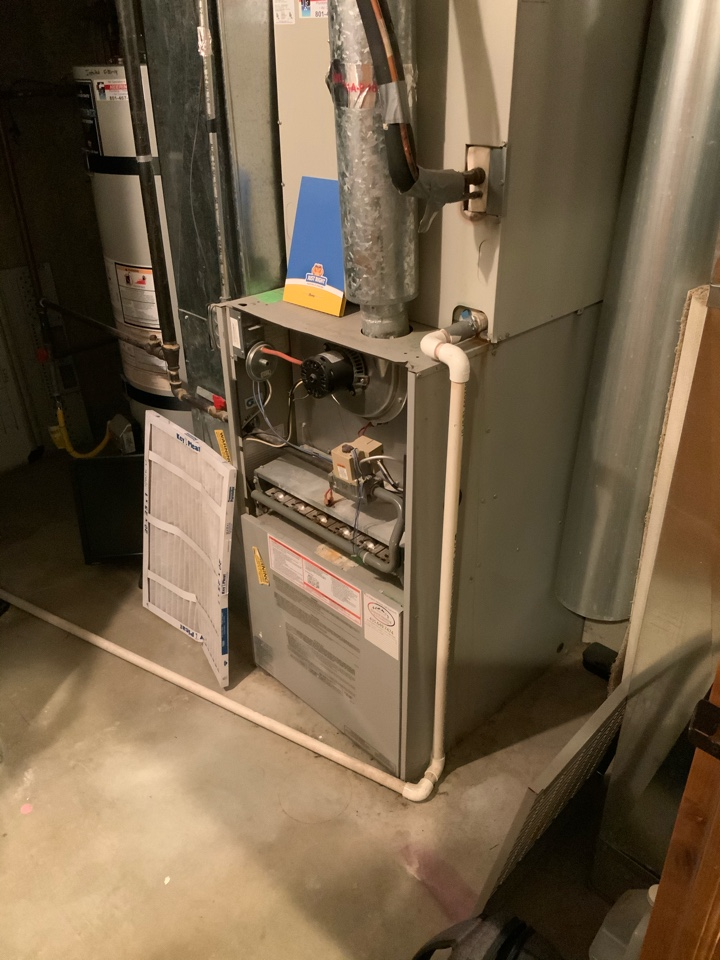 Park City, UT - Giving an estimate to replace a 26 year old tempstar basic 80% furnace. Giving options for high efficient Trane equipment that includes heat pump options to take advantage of the RMP dual fuel rebate.