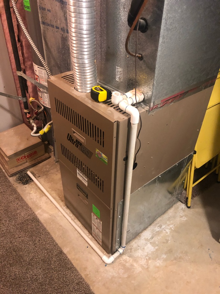 Farmington, UT - Replacing 23 old furnace with new high-efficiency Daikin heat pump