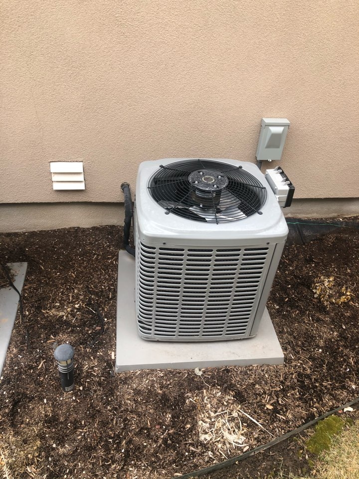 Fruit Heights, UT - Installing a new hybrid heating system to replace an old in-efficient air conditioner