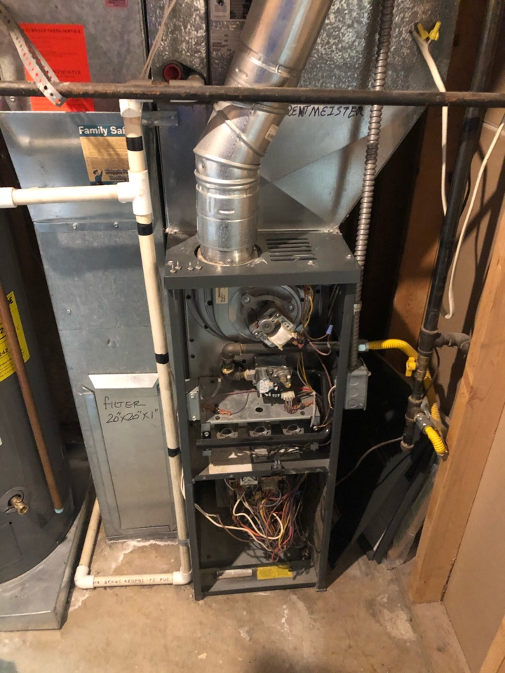 Farmington, UT - Giving an estimate to replace a 15 year old Goodman furnace and 22 year old Bryant a/c.