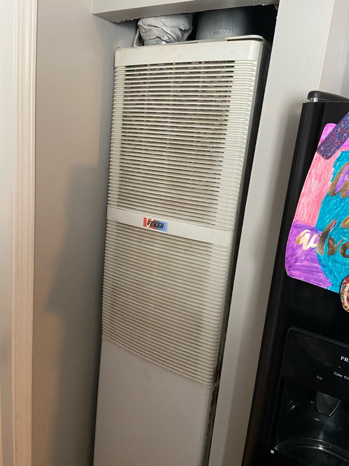 West Valley City, UT - Tune up a Coleman furnace with a Honeywell thermostat.