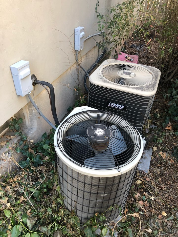 Roy, UT - Replacing old in efficient furnace and air conditioner with new high-efficiency heating and cooling system from trane