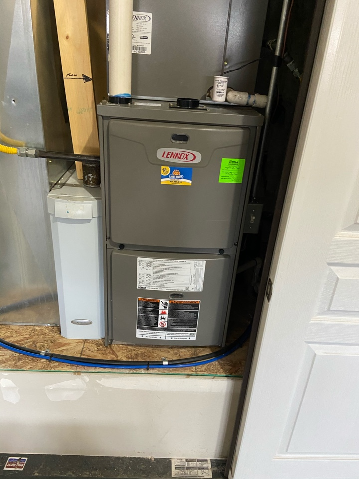 South Jordan, UT - Tune up a Lennox furnace with a Honeywell thermostat.