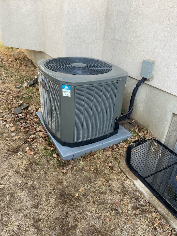 Sandy, UT - Tune up a Trane AC with a Honeywell thermostat and Lennox furnace.