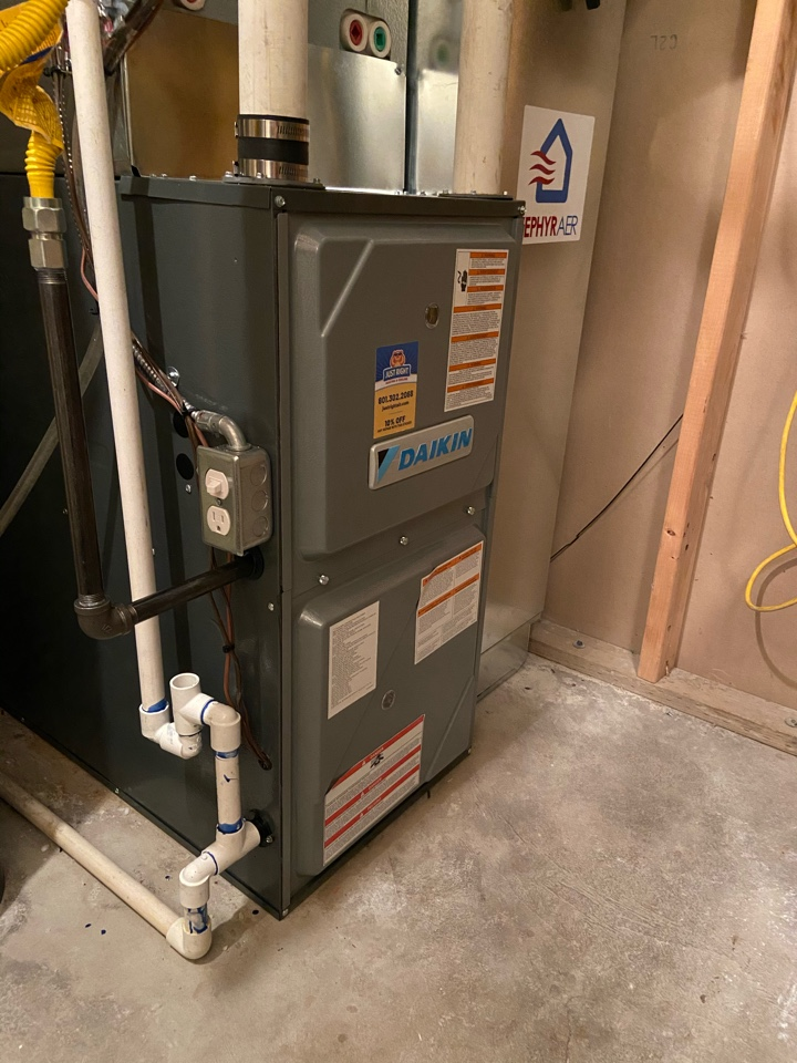 Draper, UT - Tune up a Daikin furnace with a Honeywell humidifier and thermostat.