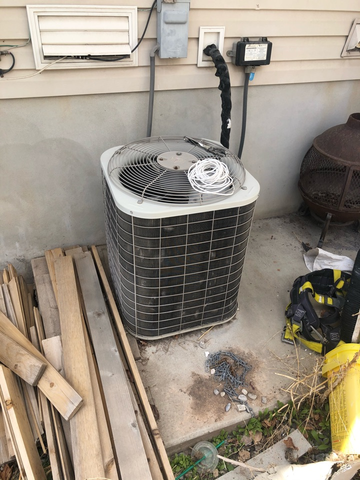 Clearfield, UT - Replacing an old in efficient heater with new high-efficiency hybrid system