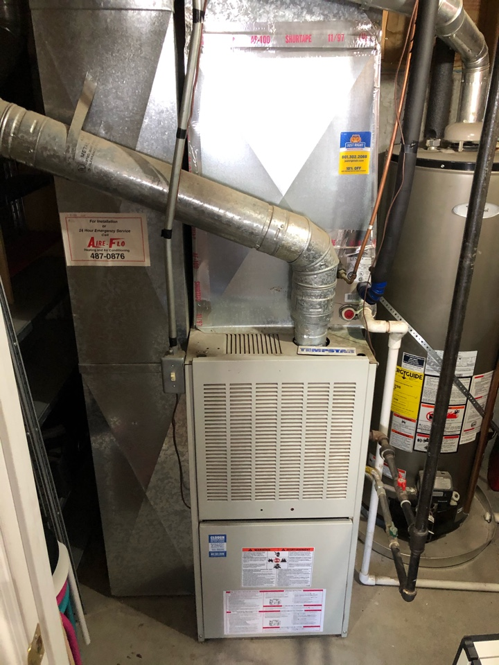 West Valley City, UT - Giving a free estimate to replace a furnace and air conditioner. 23-year-old temp star furnace and Lennox air conditioner. They had our service team out to help diagnose issues and are wanting to replace instead of repair due to age and overall cost of keeping the existing equipment.