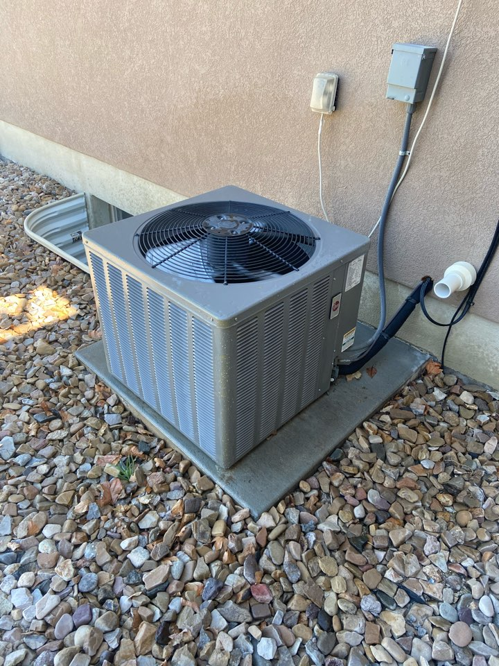West Jordan, UT - Tune up a Rheem AC with a Honeywell thermostat.