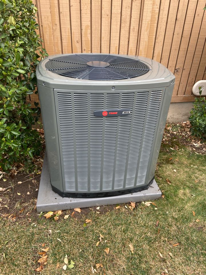 Sandy, UT - Tune up a Trane ac with a Honeywell thermostat.