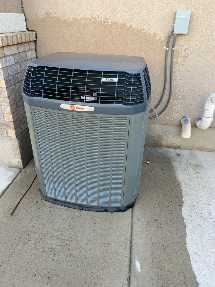 South Jordan, UT - Tune up a Trane ac with a Honeywell thermostat