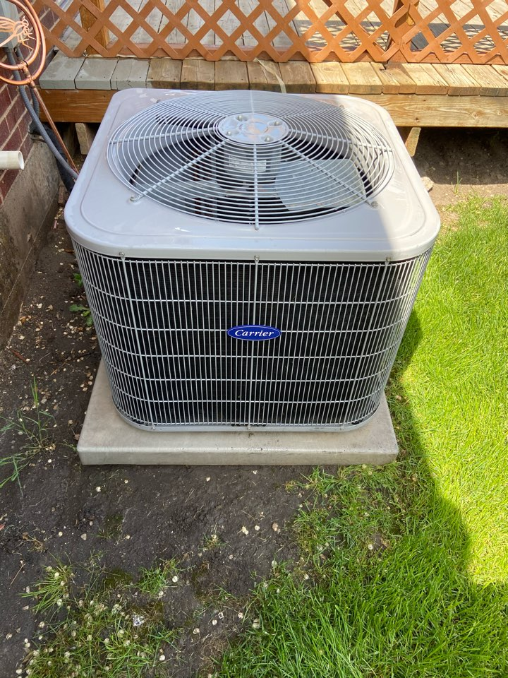South Salt Lake, UT - Tune up a Carrier ac with a Honeywell thermostat.