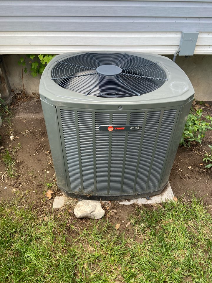 Taylorsville, UT - Tune up a Trane ac with a Honeywell thermostat.