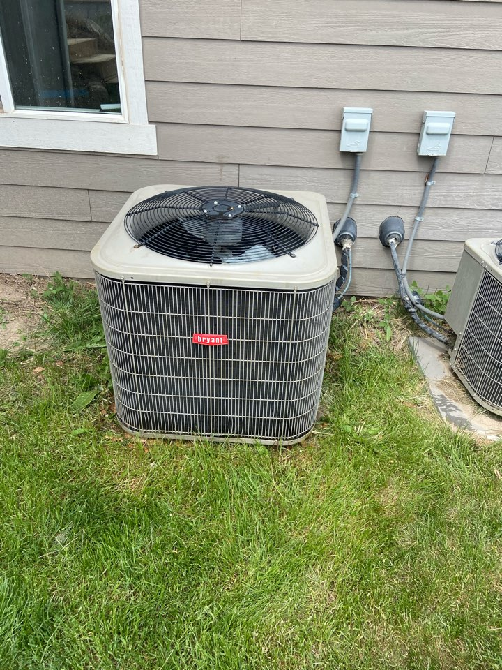 Herriman, UT - Tune up a Bryant ac with a Nest thermostat.