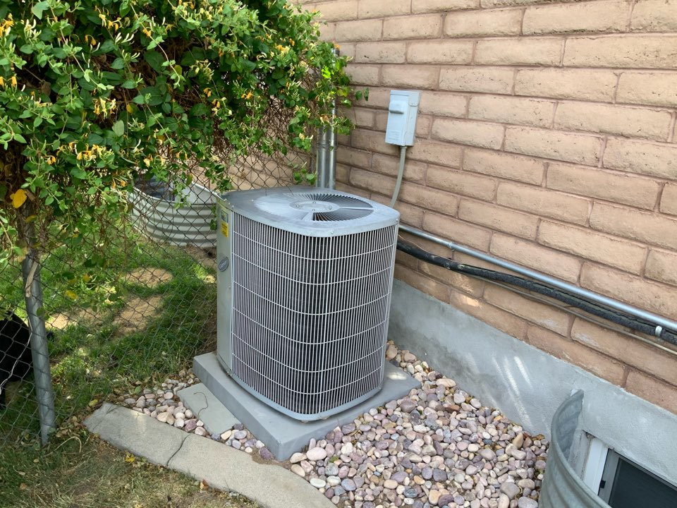 Riverton, UT - Free estimate for furnace and air conditioner replacement