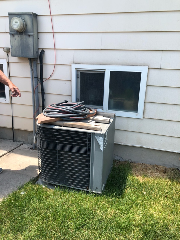 West Valley City, UT - Giving an estimate to replace an air conditioner. The one they have has never really worked very well and want to make sure this new one will do the job correctly.