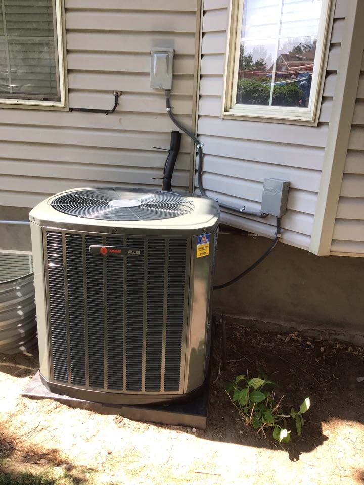 Draper, UT - Brand new Trane XR high efficiency air conditioner