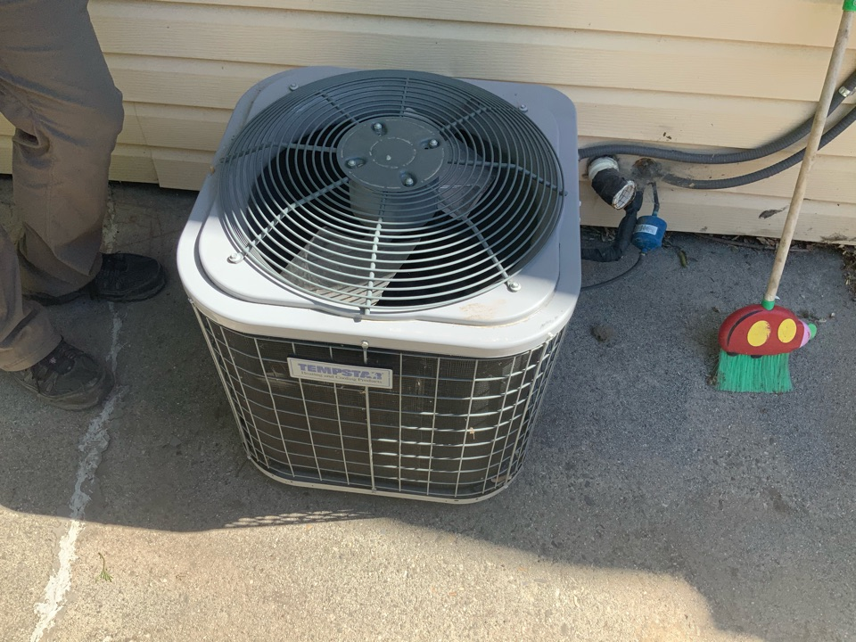 Holladay, UT - Free estimate for air conditioning system replacement
