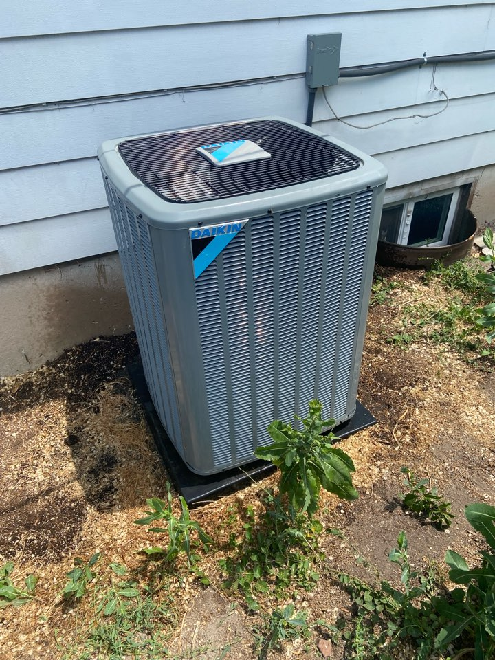 West Valley City, UT - Tune up a Daikin an with a Ecobee thermostat.