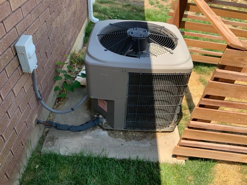 Farmington, UT - Free estimate for air conditioning system replacement