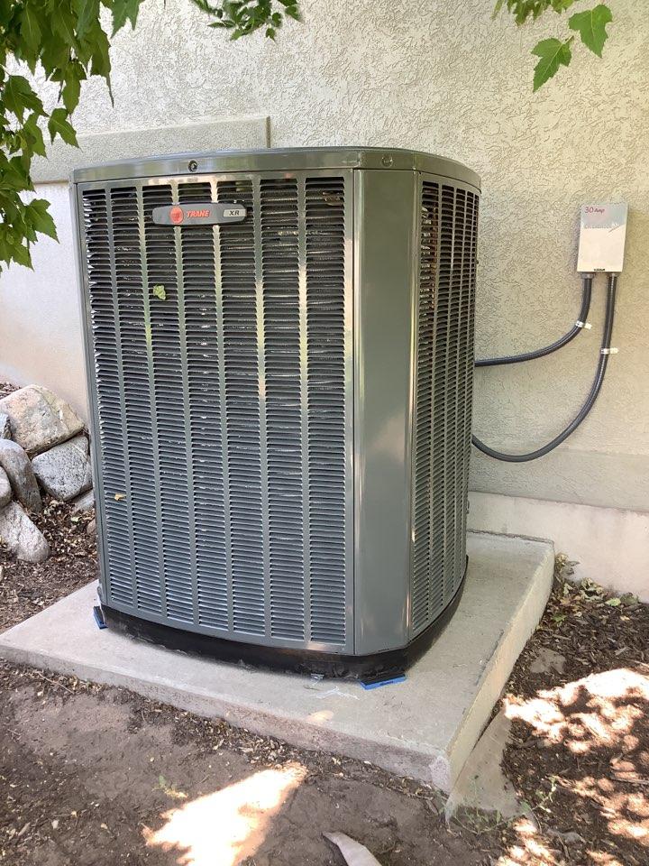 Ogden, UT - Install new trane xr17 air conditioner