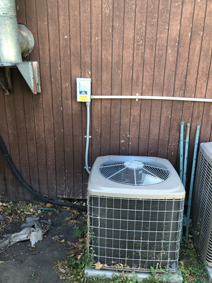 West Valley City, UT - Giving an estimate to replace a 10 year old Guardian a/c that shorted to ground.
