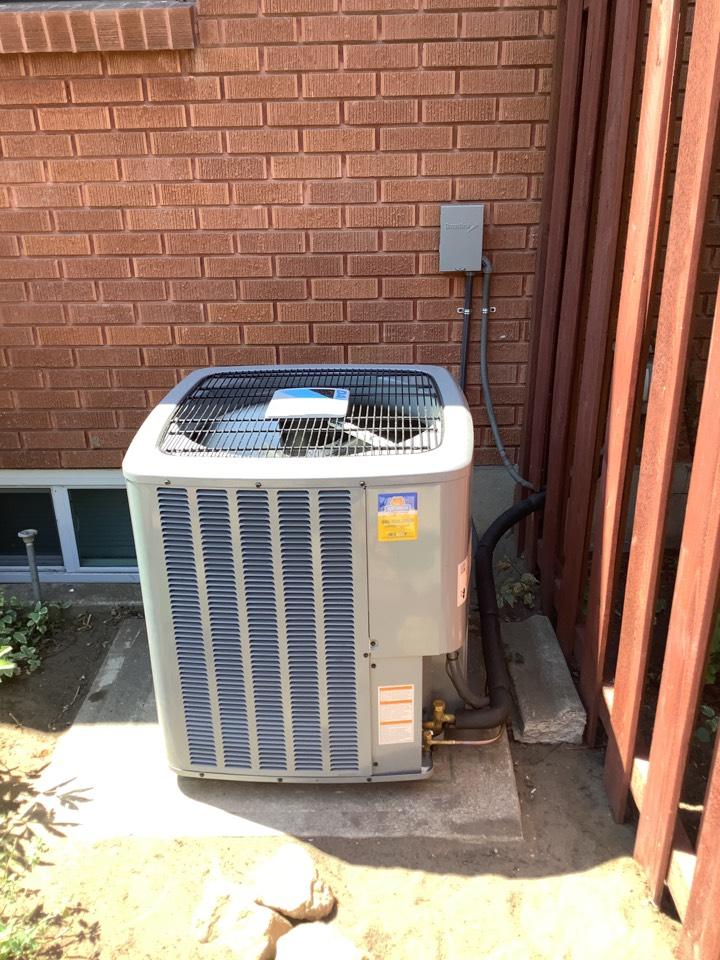 Ogden, UT - Install new daikin air conditioner