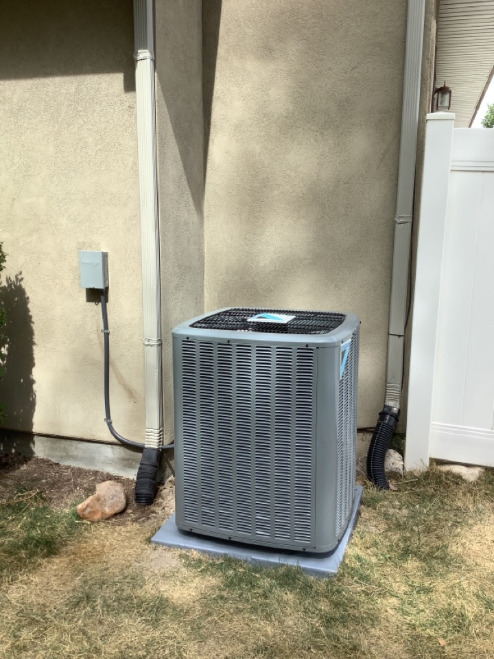 Murray, UT - Installed a daikin central air conditioning system