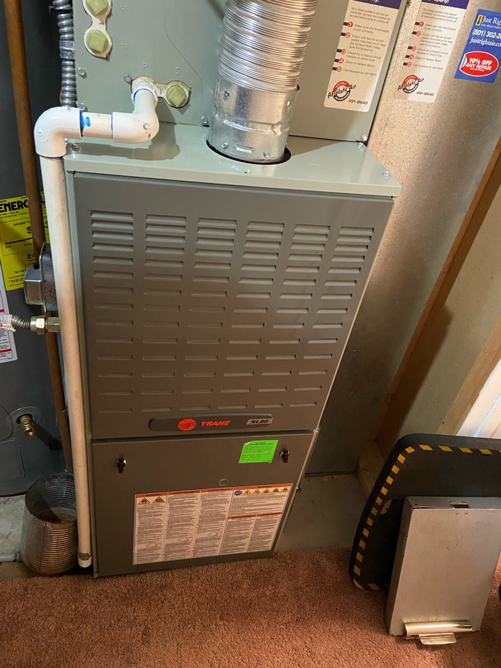 Kearns, UT - Tune up a Trane furnace with a Honeywell thermostat.