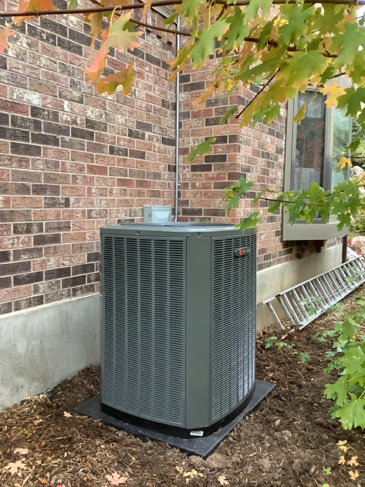 Layton, UT - Installed a new Trane central air conditioning system