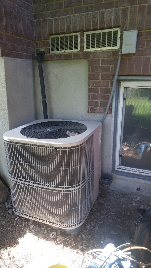 Bountiful, UT - Replace Carrier Furnace at Lennox air conditioner with new Trane xv95 furnace and xr16 AC