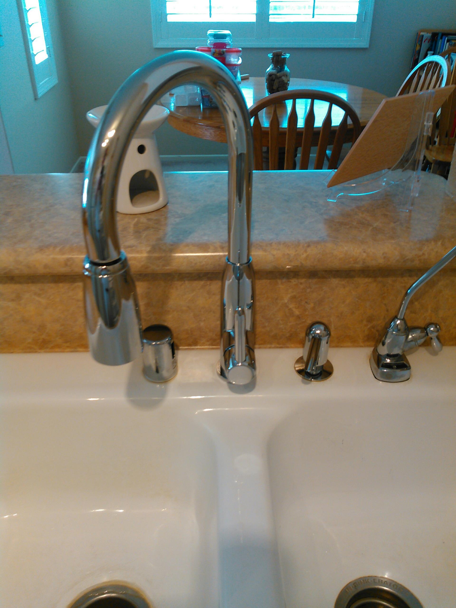 Santa Clarita, CA - Install new kitchen faucet and shower repair.