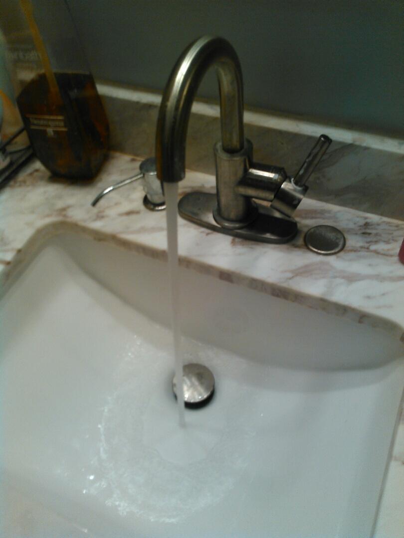 Santa Ana, CA - Clear bathroom sink stoppage
