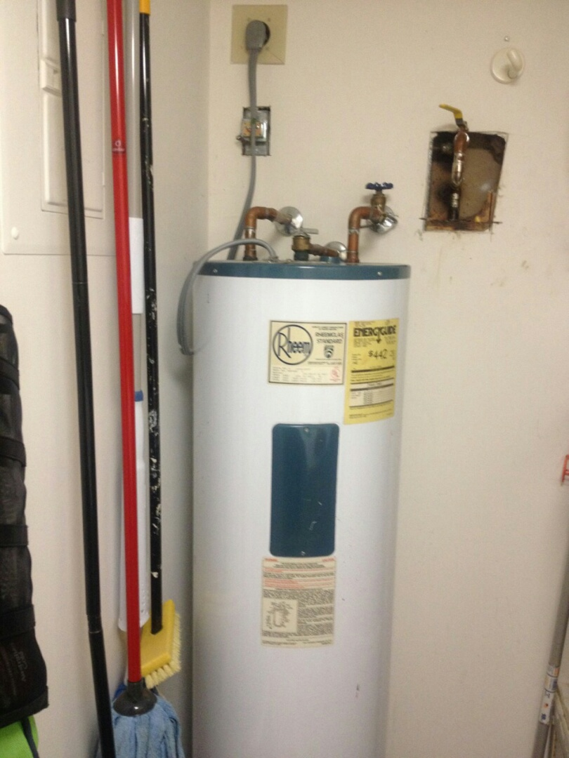 San Dimas, CA - Water heater inspection