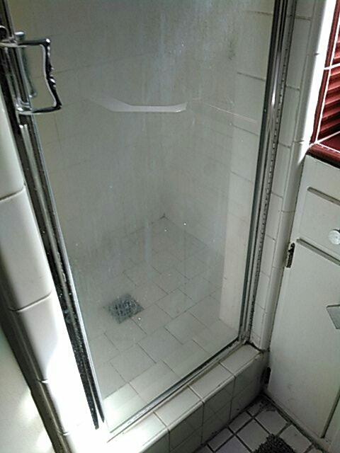 Costa Mesa, CA - Shower stoppage