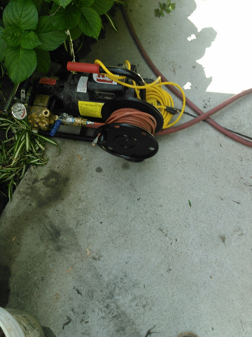 Laguna Beach, CA - Flush grease buildup from kitchen drain with Hydro jetter