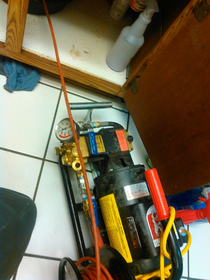 San Clemente, CA - Perform Hydro jetter on kitchen drain to flush grease buildup