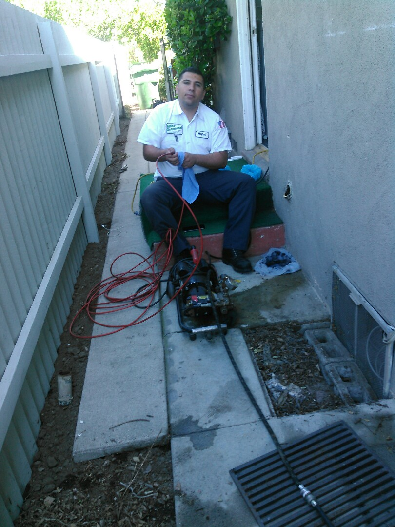 Pasadena, CA - Uccluged drain for kitchen and free estimates and plumbing inspection