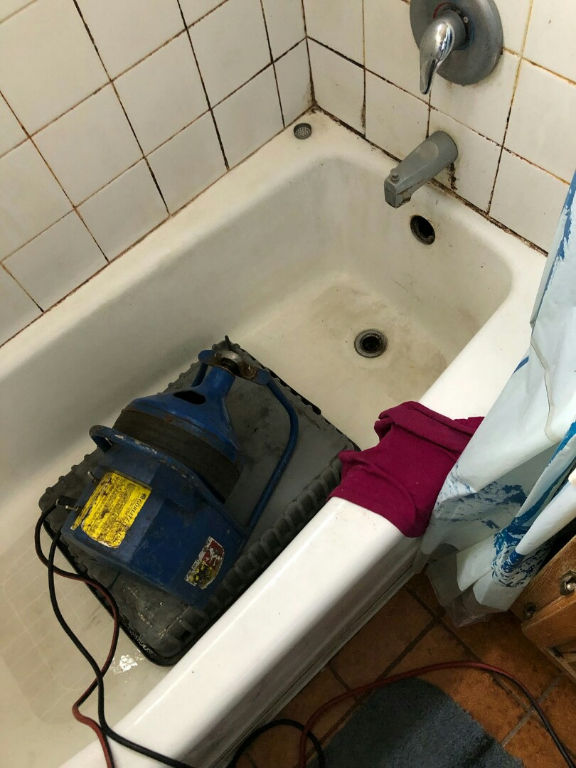 Monrovia, CA - Bath tub clog
