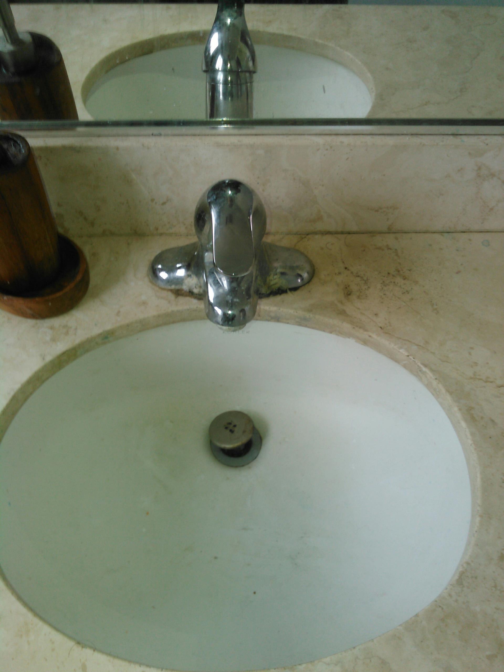 Palos Verdes Estates, CA - Bathroom sink clog