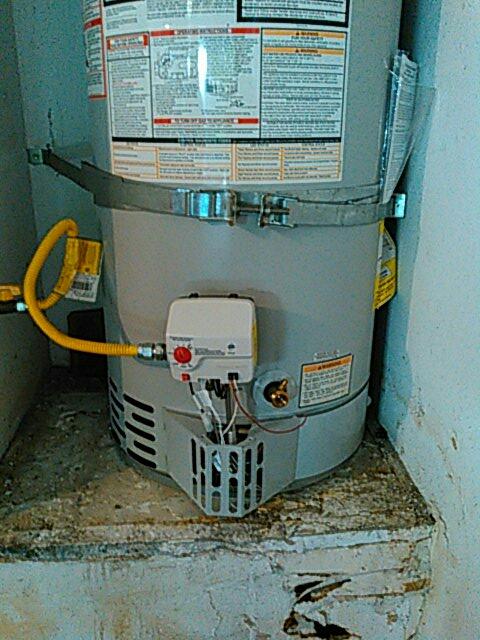 Glendale, CA - Replace gas unitrol gas control.