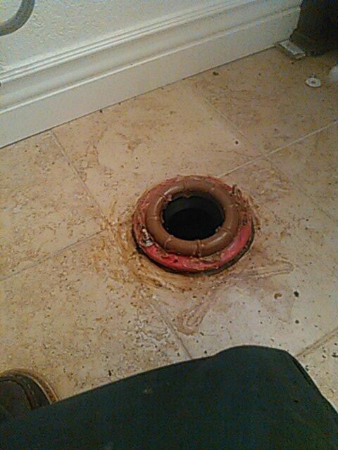 Laguna Beach, CA - Toilet repair and instal glange