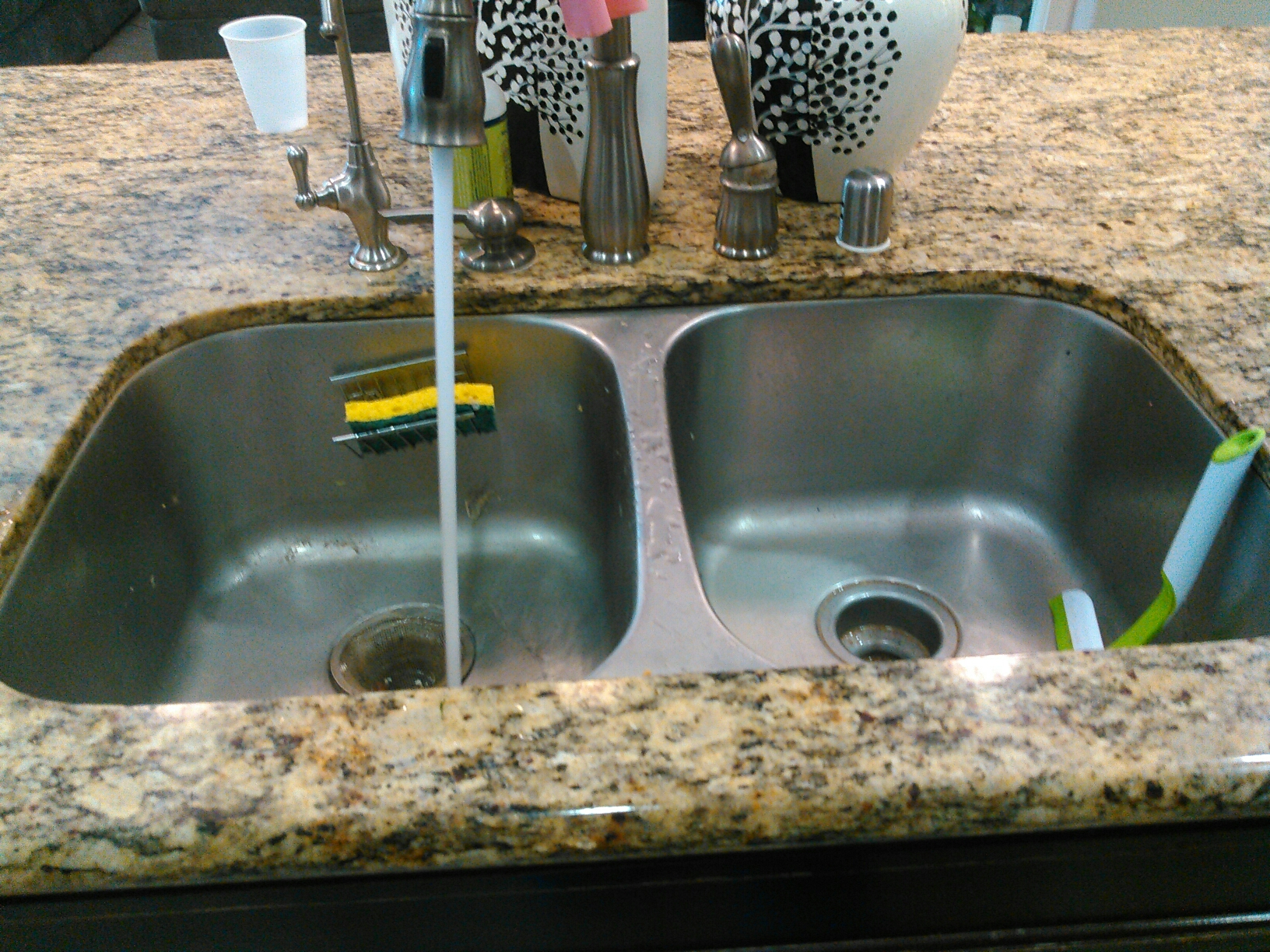 Chino, CA - Cleaned kitchen sink stoppage