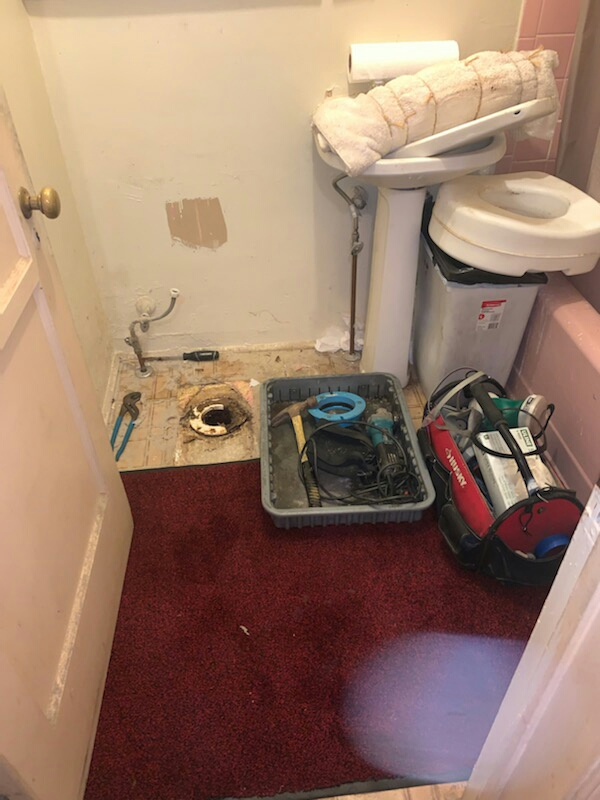 San Gabriel, CA - Toilet and toilet flange removal and replacement